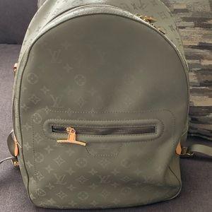 LV backpack UA
